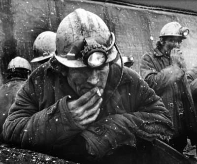 miner-risked-major-disaster-smoking-underground1